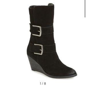 NIB Very Volatile 'Lars' Wedge bootie